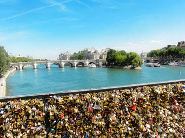 Bridge of locks