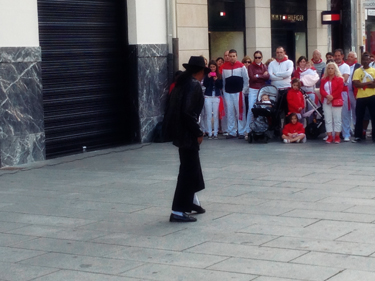 Spanish Michael Jackson!
