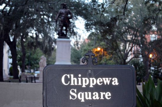Square with statue of Oglethorpe