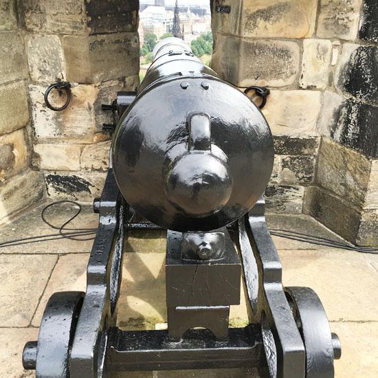 edingburgh-castle-2